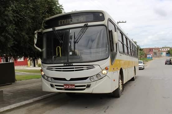 Transparência: Prefeitura de Vertente do Lério compra ônibus usados por R$163.000,00 Mil Reais a ex-gerente do posto de combustíveis do município