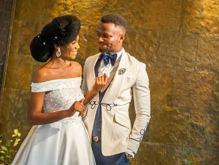 EmmaOhMaGod treats his wife to breakfast for 3rd anniversary, takes her to the hotel they lodged for their wedding (photo)