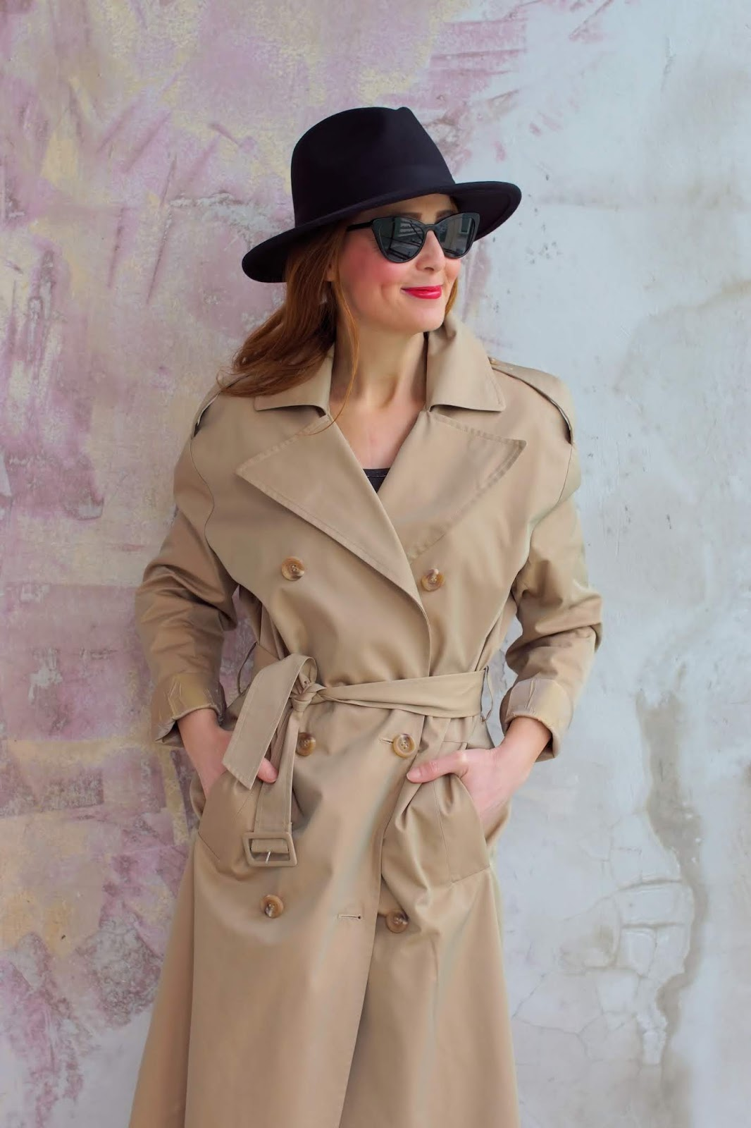 Clothes I haven't worn during Quarantine lockdown: The trench coat on Fashion and Cookies fashion blog, fashion blogger style