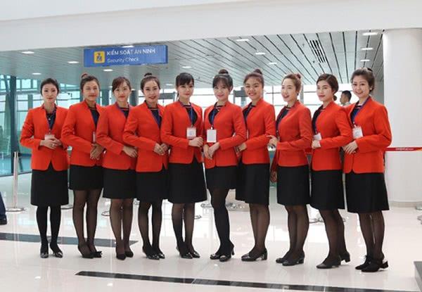 Đồng phục tiếp viên hàng không Jetstar Airline