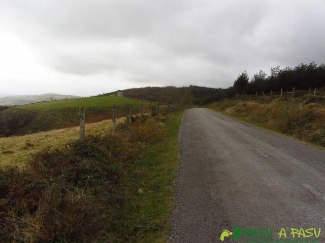 Carretera por la sierra de Ouroso