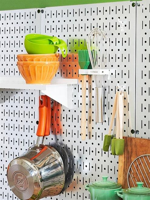 Tận dụng vật dụng để trang trí phòng bếp