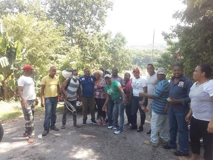 Jochy Medina Pre candidato a Alcalde  por el municipio de Paraíso realiza una jornada de Fumigación