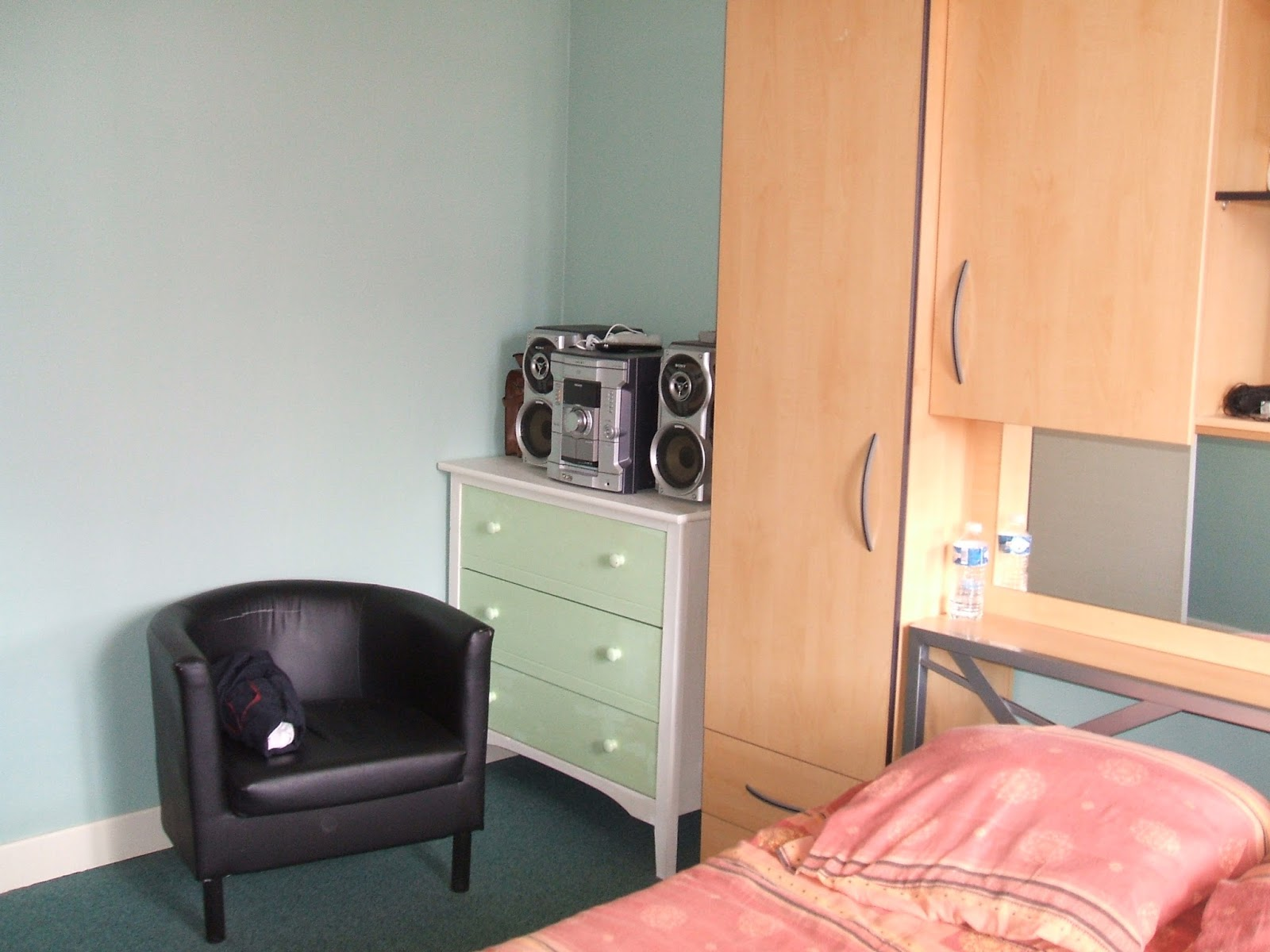 bricotransferts de pascale transformer une commode en. Black Bedroom Furniture Sets. Home Design Ideas