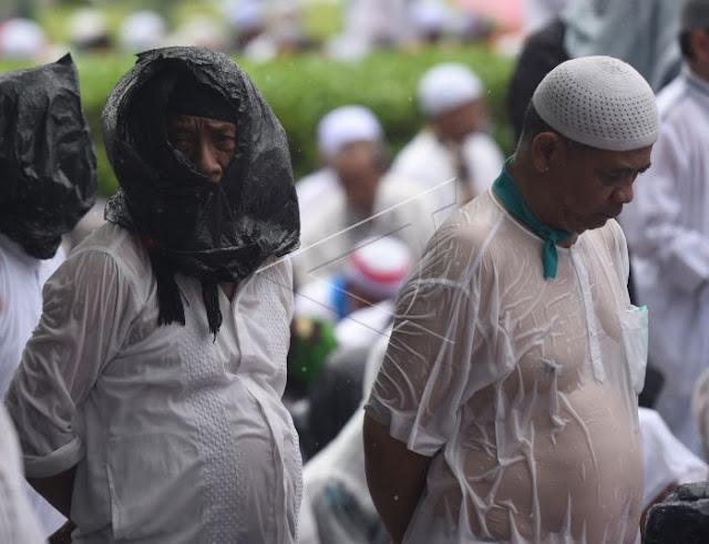 Hukum Batalkan Shalat Jumat karena Kehujanan