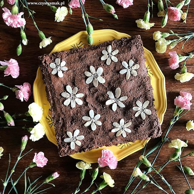 Mazurek migdałowo-czekoladowy na białkach