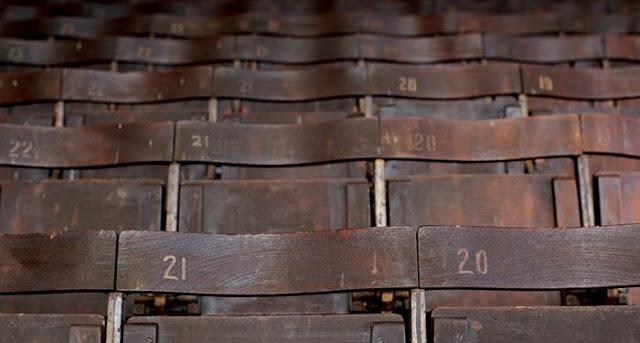 Asientos de madera de 1905 de grada Johnny Haynes