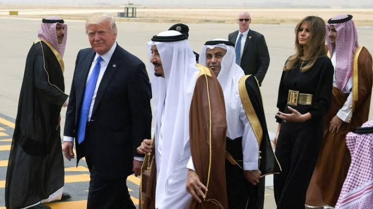 Raja Salman Terbaring di RS, Pangeran MBS Bahas Isu Penting dengan Donald Trump