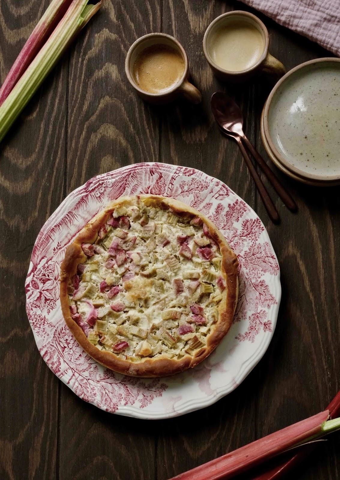 farine d'épeautre , pâte levée , rhubarbe , crème , gouter d'enfance
