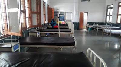 प्राथमिक स्वास्थ्य केंद्र व सिविल अस्पतालों के हालत सुधरने का नाम ही नहीं ले रहे।