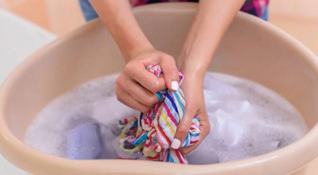 Cara Mencuci Pakaian dengan Tangan yang Baik dan Benar