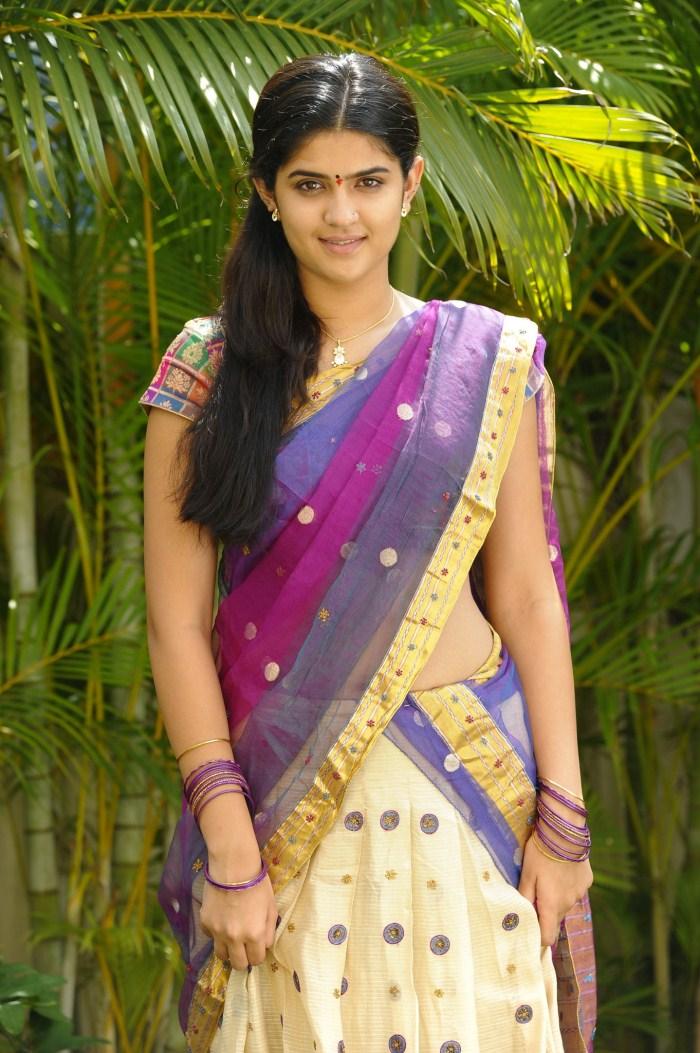 Cute Girl Wallpapers Com Deekshaseth Hot In Saree Atoz Actress