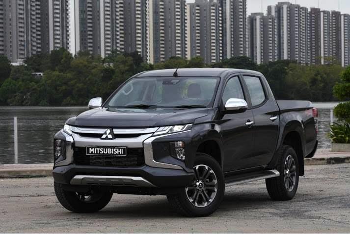 Motoring-Malaysia: The New Mitsubishi Triton Shows Off Its