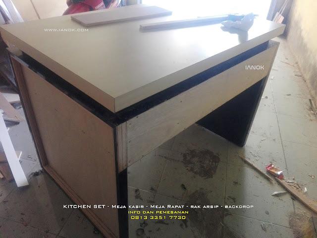 Proses Produksi meja kasir sidoarjo