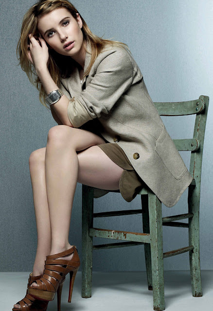 Emma Roberts Sexy Legs