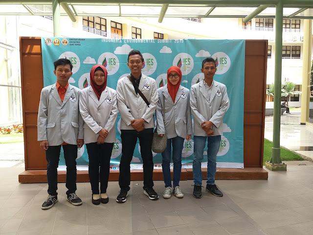 Delegasi PENS : Tarekh, saya, Arie, Rhoma, dan Dedy