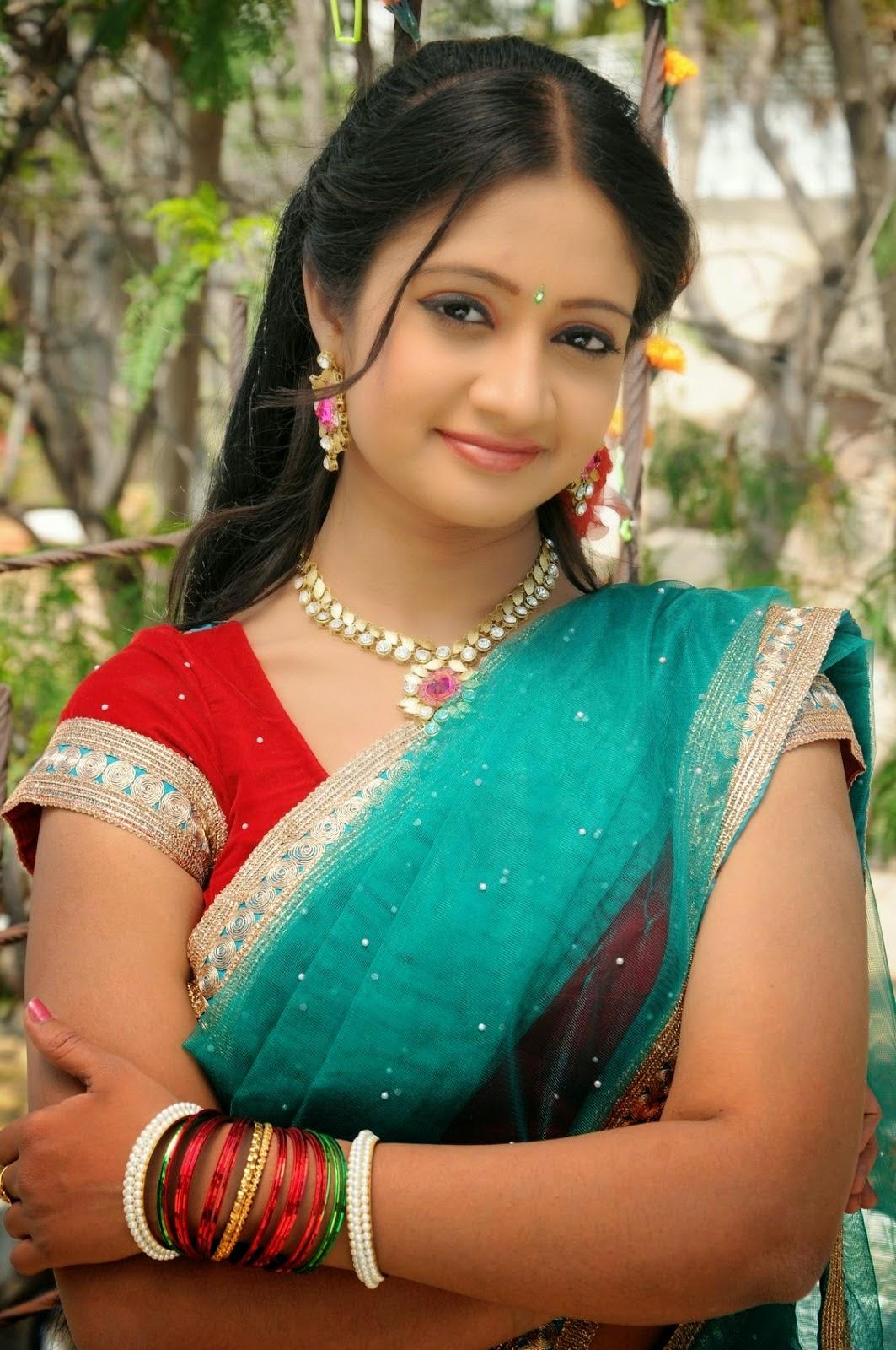 Actress Sandeepthi Photos In Spicy Half Saree - Cap