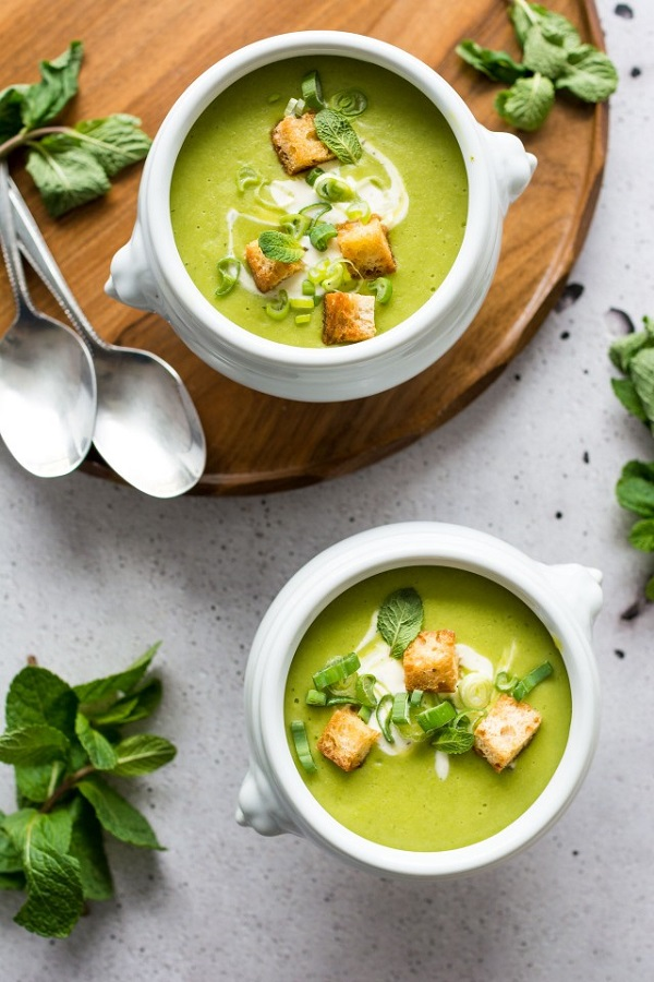 5 Ingredient Pea and Mint Soup