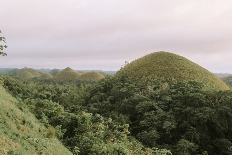 Chocolate-Hills-Bohol-Philippines