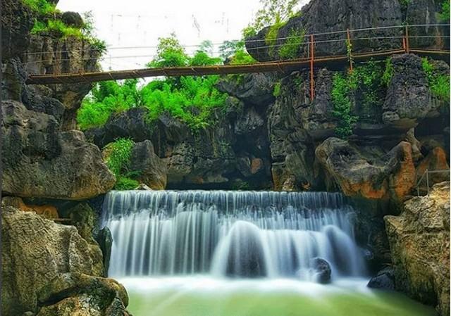Air Terjun dan Gua Ngerit;Destinasi Wisata Trenggalek ;
