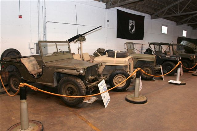 jeep guerreiro utilit rios willys e a mecaniza o. Black Bedroom Furniture Sets. Home Design Ideas