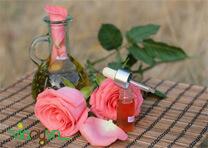 tinh dầu hoa hồng trị mụn