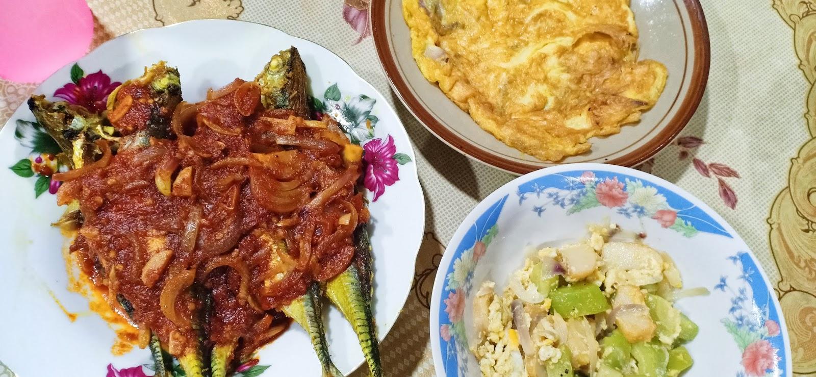 Menu simple Ikan cencaru sambal, kambas dan telur mata