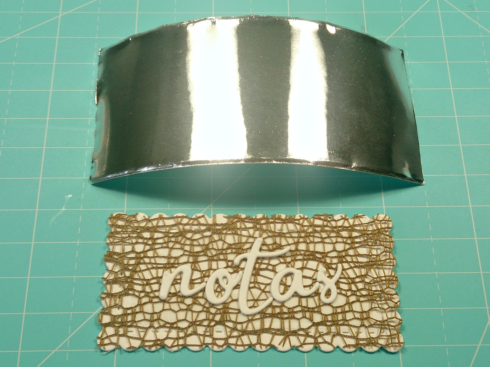 Falso repujado con cinta adhesiva de aluminio y troquelados. - La ...