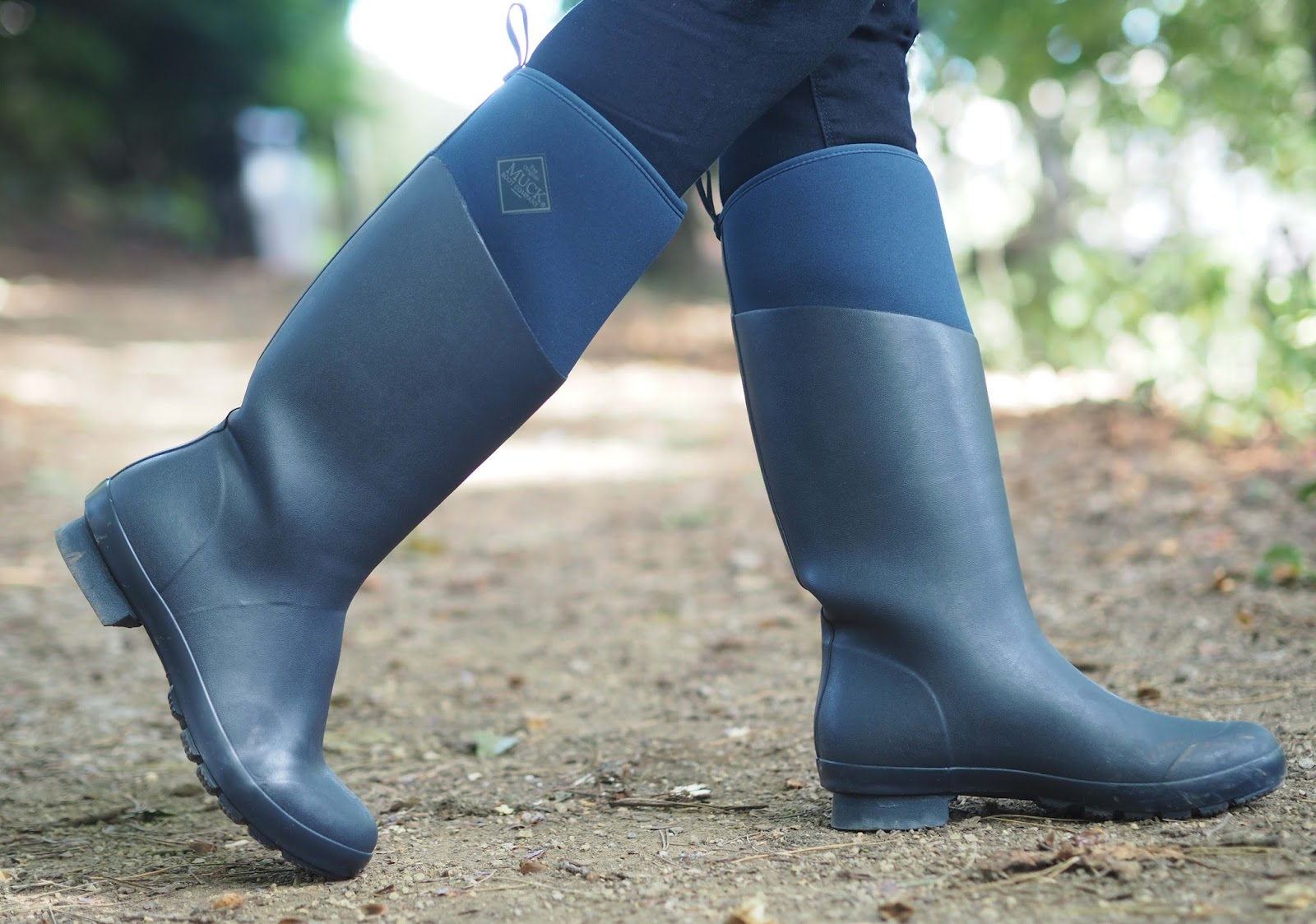Navy muck boots with skinny jeans, warm wellingtons, wellies