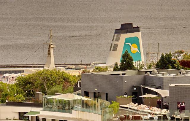 um navio no hotel
