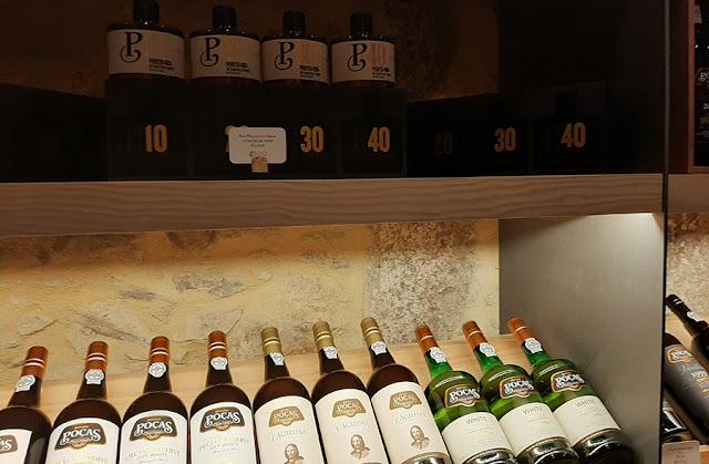 expositor de garrafas de vinhos Poças