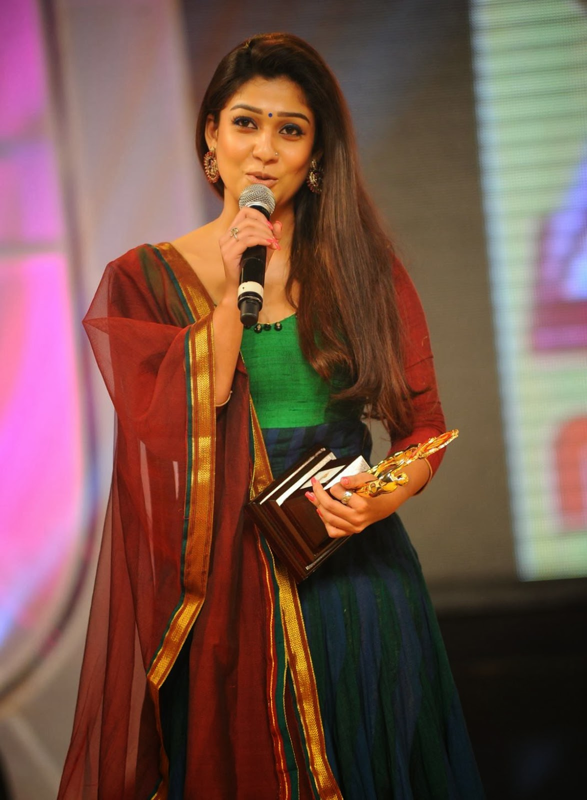 Nayanthara Hd Photos Download Free  Tv Biography-6203