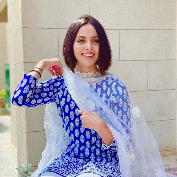 Pakistani Celebrities Gets Gorgeous Looks on Friday in Ramadan