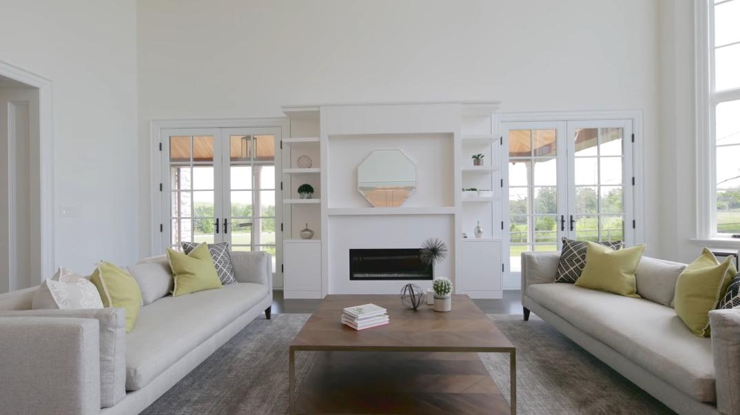 59 Interior Photos vs. Tour 90 Fairfield Dr, King City, ON Luxury Mansion