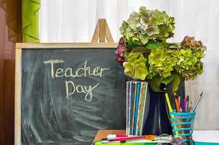 Happy Teacher's Day 2018 Quotes, Wishes, SMS, Images, & Poems For Kids Share on WhatsApp and Facebook