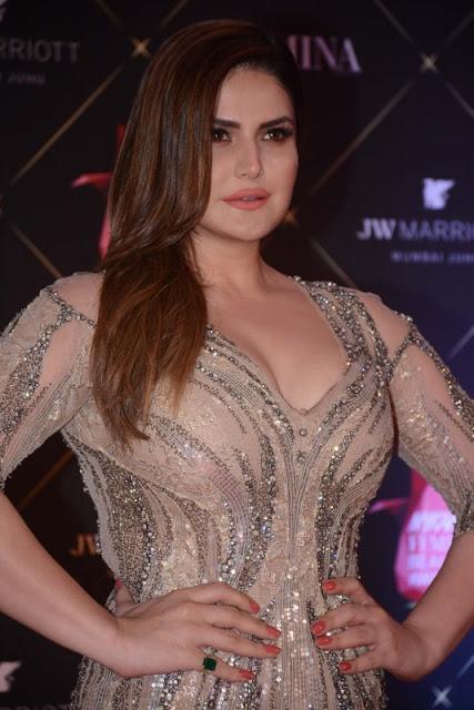 1518768236_zareen-khan-poses-photographers-her-arrival-nykaa-femina-beauty-awards-2018