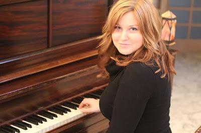 Học piano solo có thể đệm hát được không