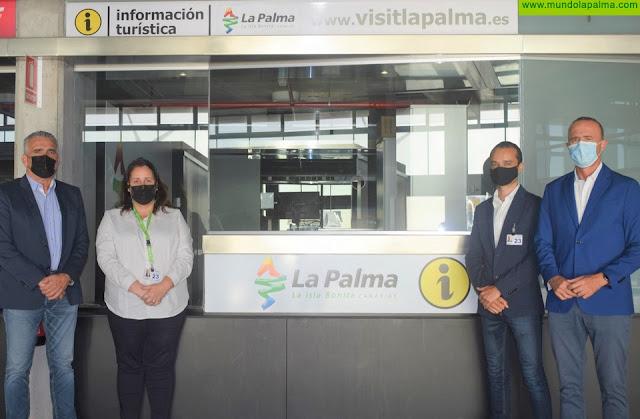 El Cabildo adjudica al CIT Insular Tedote la gestión de la Oficina de Información Turística del aeropuerto