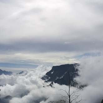 Mesmerizing Clouds -  மயங்க வைக்கும் வெள்ளி மேகங்கள் - கொடைக்கானல்