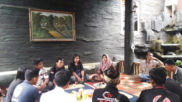 Umi Rina Sangat Terbuka Dengan Kaum Generasi Milenial,  Termasuk Para Jurnalis Muda Kabupaten Way Kanan