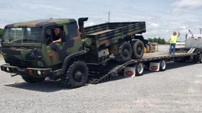 الولايات المتحدة تمنح 100 شاحنة نقل تكتيكي للمغرب