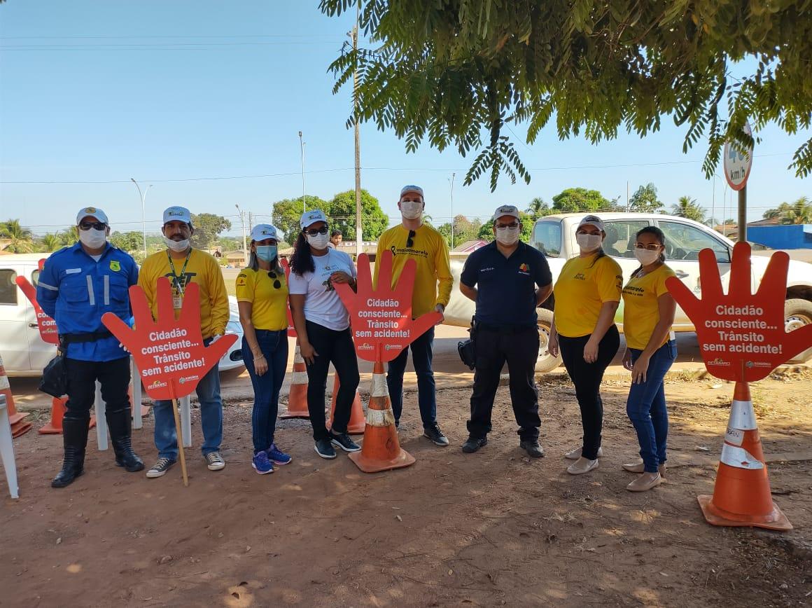 DETRAN REALIZA BLITZ EDUCATIVA COM APOIO DA POLÍCIA MILITAR NO CENTRO DE NOVA MAMORÉ