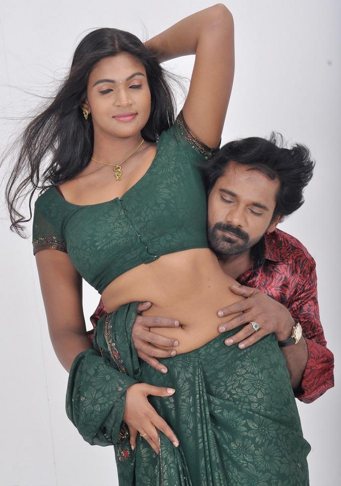 Tamil Actress Saree Below Navel Show Photos  Actress -9099