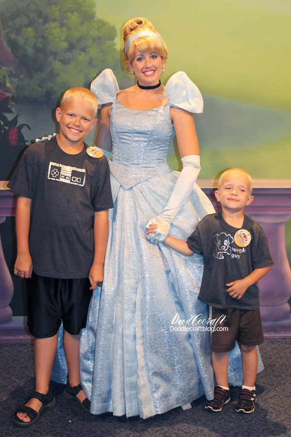 10 Tips for Disney World Florida Vacation: using Fast Passes to see characters and princesses