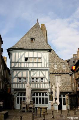 Una delle tipiche case bretoni di Dinan