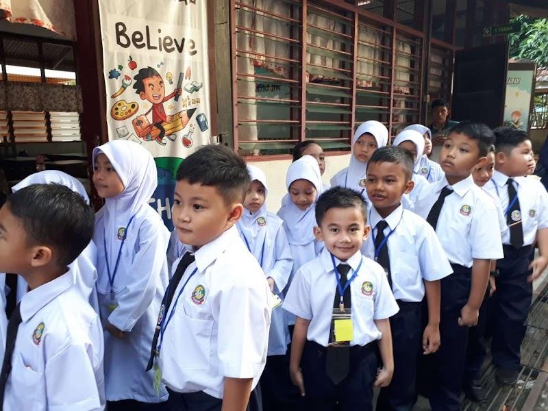 Adik Wazif Darjah 1, Cepat Sesuaikan Diri Di Sekolah