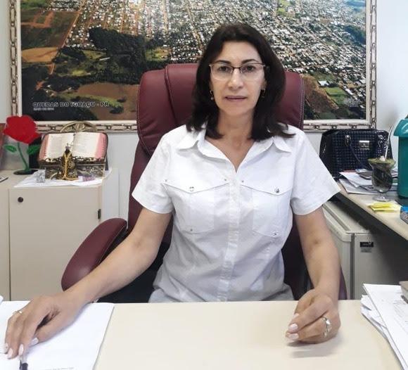 Prefeita de Quedas do Iguaçu obtém liminar e volta ao cargo