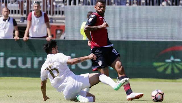 Video Cagliari - AC Milan: Kịch chiến 2 thẻ đỏ & 3 bàn thắng