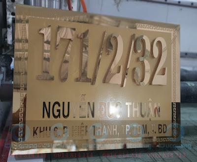 Biên số nhà inox chữ nổi