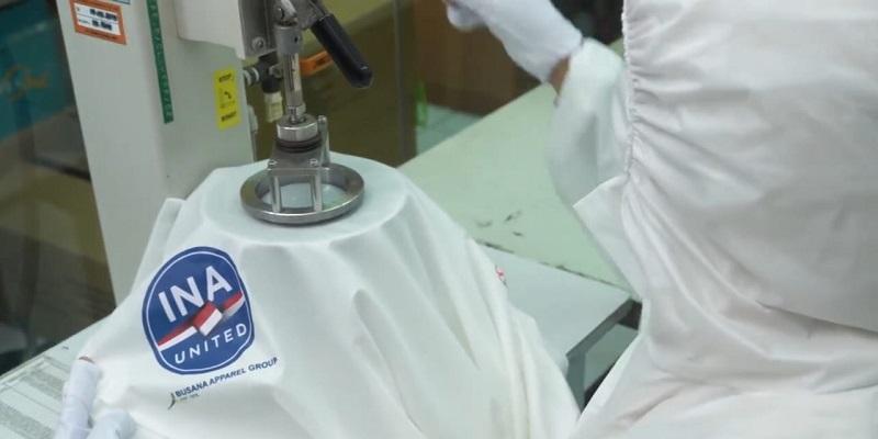 Hasil Kerja Keras Kolaborasi Multipihak Hasilkan Baju APD Standar WHO
